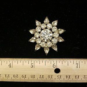 Jewelry - Star flower brooch